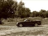 שתי לסביות כוסיות בטירופף מזדיינות במכונית עם גג פתוח