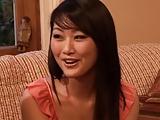 כוכבת פורנו יפנית מבלה עם החברה שלה