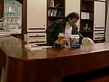 סרט יפהפה במשרד עושים עסקים לוהטים ומיניים